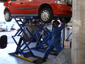 BendPak – 4 Tonne 4 Post Lift – MB Garage Services